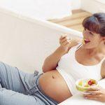 Eccesso di peso in gravidanza, ne soffre la metà delle gestanti