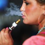 """""""Svapare sigarette elettroniche è dannoso, specie tra i giovani"""": lo studio del General Surgeon Usa"""